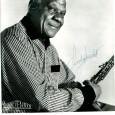 Sidney BECHET (1897/1959) Clarinettiste, saxophoniste et compositeur de jazz, américain Belle photo promotionnelle des éditions Vogue sous passe partout 24 x30 cm, portant la signature autographe de l'auteur de «Petite […]