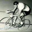 Ercole BALDINI (1933/  ) Coureur cycliste italien qui fut professionnel de 1957 à 1964 Superbe photo (17x23cm) du champion E. Baldini portant sa signature autographe. (Photo A. Roques) 70€