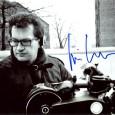 Wim Wenders Réalisateur, producteur, scénariste allemand. Alice dans les villes, L'Ami Américain, Paris, Texas, Les Ailes du désir, Si loin si proche…… Photo sous passe partout 24 x30, signature autographe […]