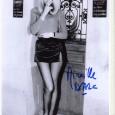 Mireille DARC Actrice et Réalisatrice.En 1964, Georges Lautner, fait d'elle une star en lui offrant un premier dans Les Barbouzes) Photo avec signature autographe 65€