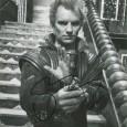 STING Sting, de son vrai nomGordon Matthew Thomas Sumner.Avant sa carrière solo, il est le chanteur, compositeuret basistedu groupe Police. Il est présent de le film de David Lynch […]