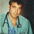 GEORGES CLOONEY [Urgences] Photo présentée sous passe partout 24 x 30 cm avec signature autographe 75€