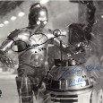 ANTHONY DANIELS et KENNY BAKER Acteurs Britanniques ayant joué à 7 reprises dans la saga Star Wars Photo officielle signée par les 2 acteurs 200€