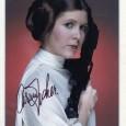 CARRIE FISCHER (1956 – 2016) Actrice américaine connue pour son rôle de la Princesse Leia dans la sage Star Wars Photo avec signature autographe vendu