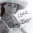 MARISSA BERENSON [Mort à Venise... Barry Lindon....] Photo présentée sous passe partout 24 x 30 cm avec signature autographe 60€